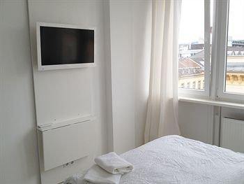 Business Hostel Wiesbaden ONE - фото 50