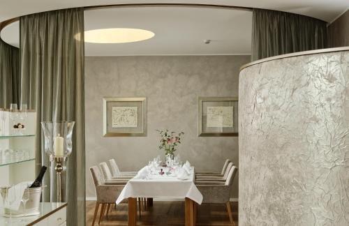 Hotel Villa Hugel - фото 12