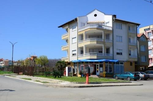 Kirovi Guest House - фото 25