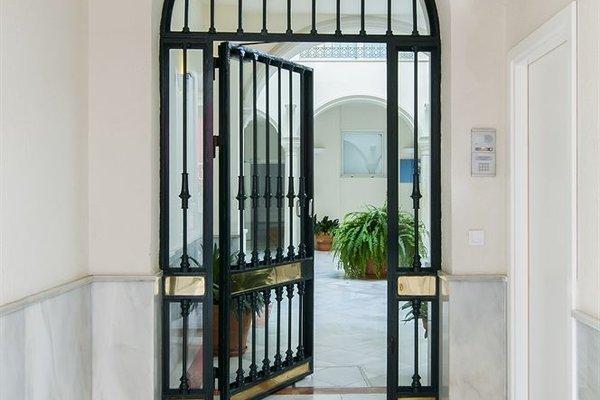 Suites Sevilla Plaza - фото 15