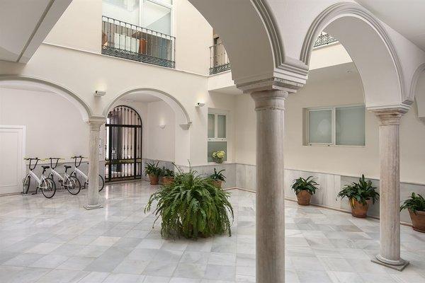 Suites Sevilla Plaza - фото 18