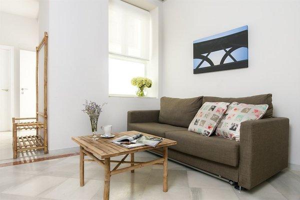 Suites Sevilla Plaza - фото 4