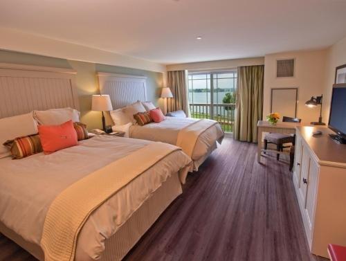 Photo of 1000 Islands Harbor Hotel