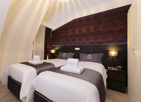 The Queen Luxury Apartments - Villa Gemma - фото 1