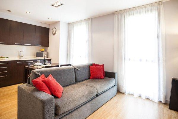 Camp Nou Apartments - фото 9