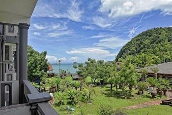 Penarak Bamboo Beach Motel - фото 17
