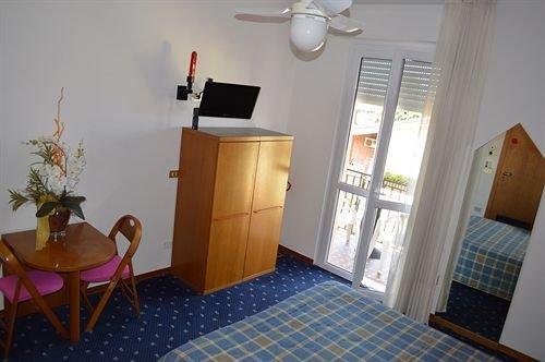 Hotel Azzurra - фото 4