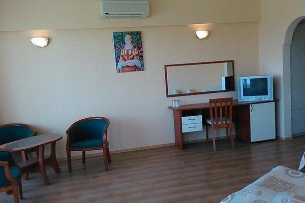 Pancho Family Hotel - фото 3