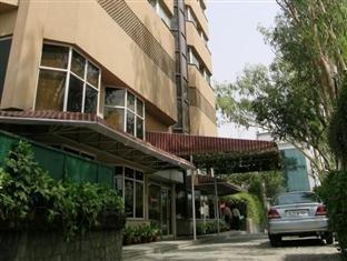 Nirula's Hotel - фото 22