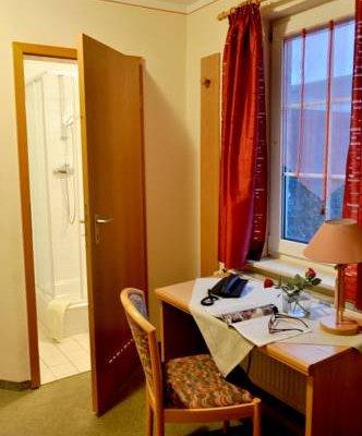 Гостиница «Zur Linde», Бад-Клостерлаусниц