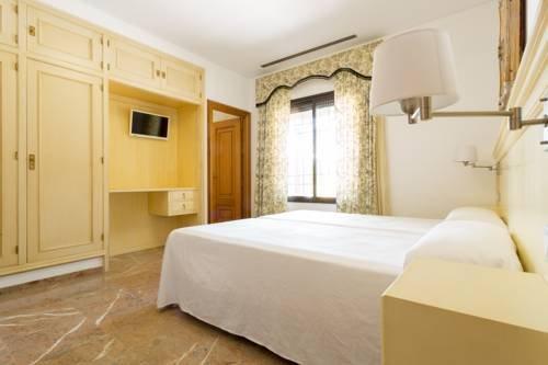 Hotel Riad Arruzafa - фото 1