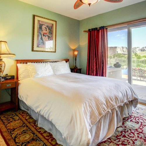Photo of Thousand Springs Winery Bed and Breakfast