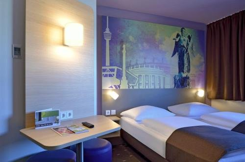B&B Hotel Stuttgart-Vaihingen - фото 1