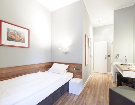 Hotel Bremer Tor - фото 1