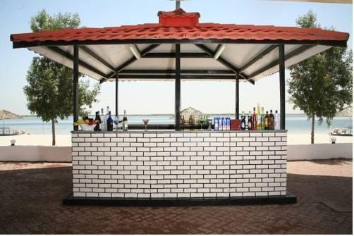 Umm Al Quwain Beach Hotel - фото 15