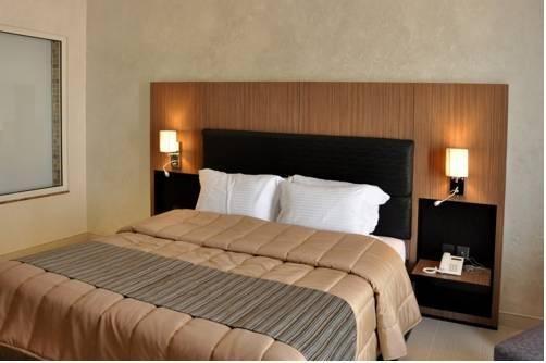 Umm Al Quwain Beach Hotel - фото 2