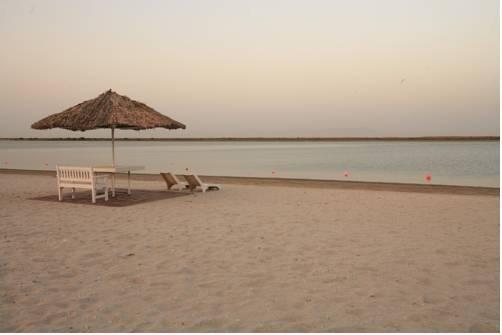 Umm Al Quwain Beach Hotel - фото 20