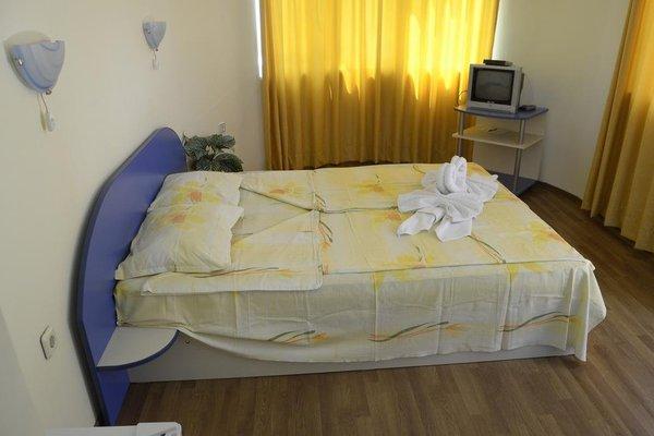 Family Hotel Bohemi - фото 1