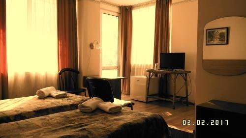 Astra Family Hotel - фото 1