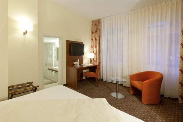 Stadt-gut-Hotel Gasthof Goldener Adler - фото 1