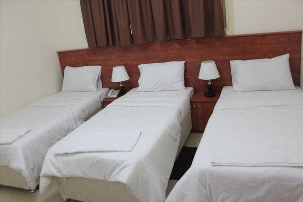 Africana Hotel - фото 1