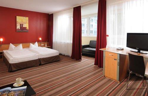 Leonardo Airport Hotel Berlin Brandenburg - фото 2
