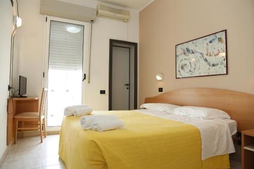 Hotel Villa Dina - фото 2