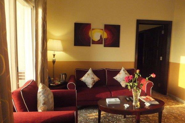 City Hotel - фото 9