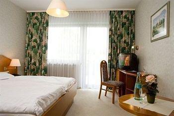 Neues Landhotel Vogelsberg, Ромрод