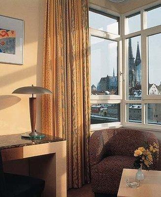 SORAT Insel-Hotel Regensburg - фото 8