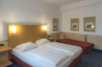 Kleines Stadthotel Ratingen - фото 2