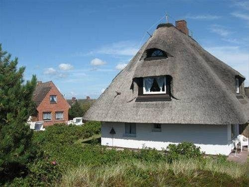 Rantum Dorf - Ferienappartments im Reetdachhaus 2 - фото 23