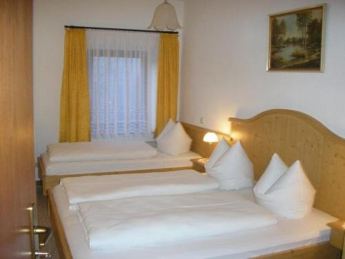 Hotel Pension Lindenhof - фото 2