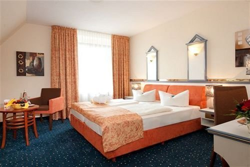 Hotel Porta Westfalica - фото 4
