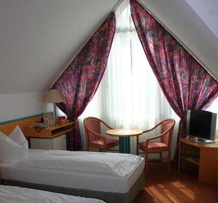 Hotel Alpha - фото 1