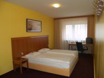 Hotel Hamburg - фото 2