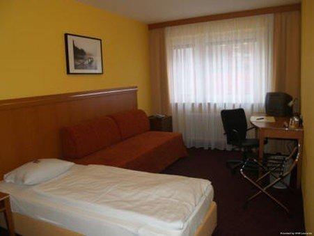Hotel Hamburg - фото 3