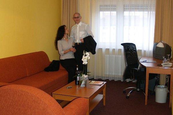 Hotel Hamburg - фото 8