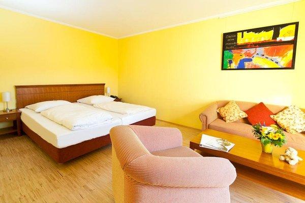 Golden Leaf Parkhotel im Lehel - фото 3