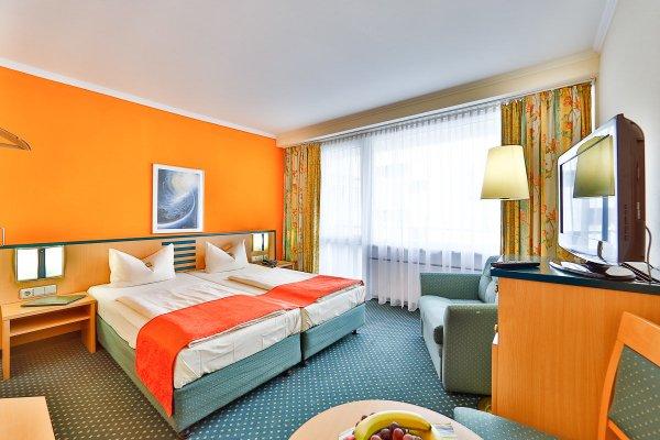 Superior Hotel Prasident - фото 1