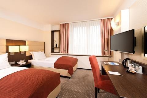 Leonardo Hotel Munich Arabellapark - фото 4