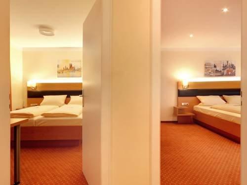 Hotel Kriemhild am Hirschgarten - фото 4