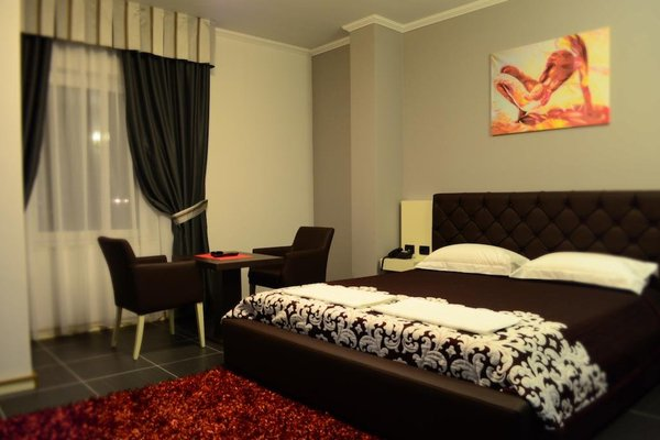 Hotel Mustang - фото 2