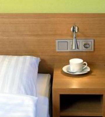 Business & Budget Hotel Tessin - фото 5