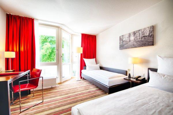 Leonardo Hotel Munchen City West - фото 1