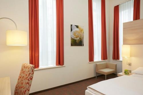 H+ Hotel Munchen City Centre B & B - фото 2