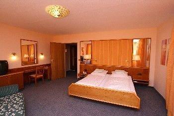Hotel Stadt Pasing - фото 2