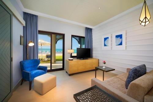 Hilton Ras Al Khaimah Resort & Spa - фото 9