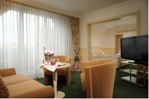Ringhotel Rheinhotel Vier Jahreszeiten - фото 5
