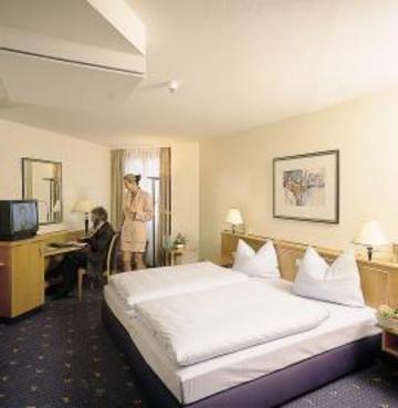 Ramada Hotel Magdeburg - фото 2